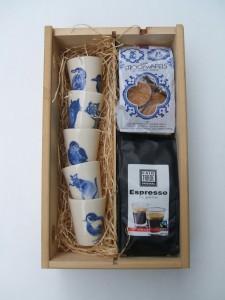geschenk set espresso kopjes met koffie en stroopwafels